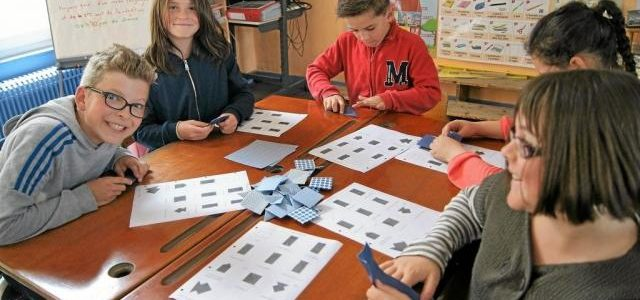 Via l'art de l'origami, les élèves de billio préparent une fresque murale