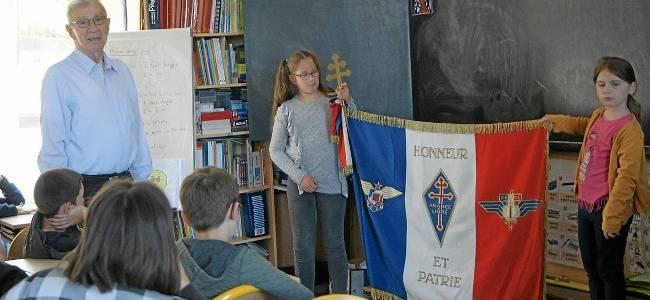 Les élèves de primaire de l'école Notre-Dame s'intéressent à la France libre